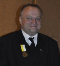 Wśród osób, które otrzymały medale, było trzech Rycerzy Kolumba z Rady 14000 im. Jana Pawła II w Krakowie: Sławomir Wójtowicz, Przemysław Bednarz i Piotr ... - medal-piotrek